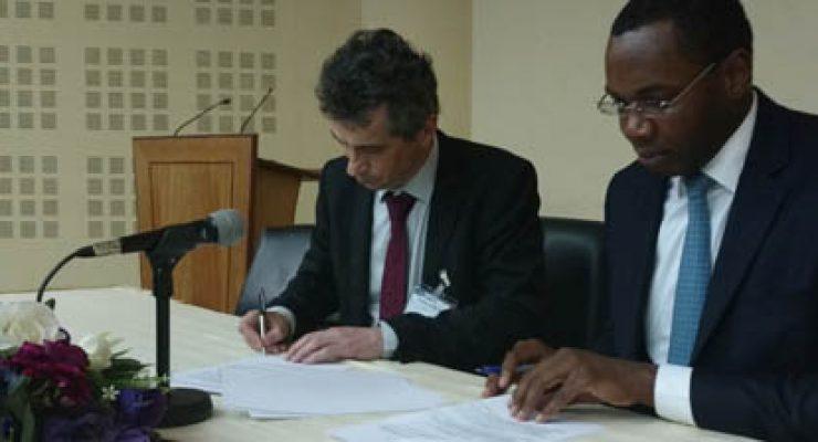 IGN FI et l'AGEOS signent un accord-cadre de coopération