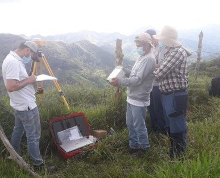 Installation of 13 new permanent stations for the Colombian geodetic network